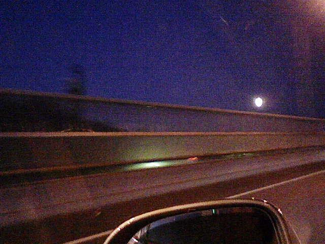 月MOONまんまるよー